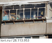 Купить «Балкон. Двенадцатиэтажный панельный жилой дом (серия П-47, 1978 г.). Хабаровская улица, 8. Район Гольяново. Москва», эксклюзивное фото № 28113953, снято 27 февраля 2018 г. (c) lana1501 / Фотобанк Лори