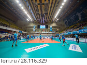 Купить «MOSCOW - NOV 5, 2016: Training before volleyball game Dynamo (Moscow) and Ural (Ufa) in Palace of Sports Dynamo», фото № 28116329, снято 5 ноября 2016 г. (c) Losevsky Pavel / Фотобанк Лори