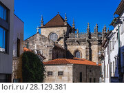 Купить «Side view of Cathedral in Braga, one of the oldest cities in Portugal, located in historical Minho Province, Portugal.», фото № 28129381, снято 15 ноября 2017 г. (c) age Fotostock / Фотобанк Лори