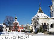 Купить «Москва, Зачатьевский монастырь зимним солнечным днем», фото № 28162377, снято 27 февраля 2018 г. (c) Natalya Sidorova / Фотобанк Лори