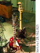 Two guitars (2010 год). Редакционное фото, фотограф Павел Воробьев / Фотобанк Лори
