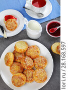 Купить «english breakfast with tea and scones», фото № 28168597, снято 28 февраля 2018 г. (c) Oksana Zh / Фотобанк Лори