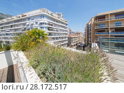 Купить «View of apartment building of one of densely populated districts of Monaco from roof», фото № 28172517, снято 3 августа 2016 г. (c) Losevsky Pavel / Фотобанк Лори