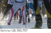 KAZAN, RUSSIA - March, 2018: slow motion large professional ski race with a lot of participants. Редакционное видео, видеограф Константин Шишкин / Фотобанк Лори