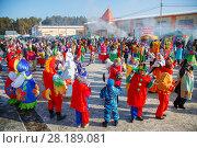 Купить «Хоровод на масленице», эксклюзивное фото № 28189081, снято 17 февраля 2018 г. (c) Иван Карпов / Фотобанк Лори