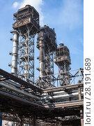 Купить «Свечи дожигания конвертерного газа», фото № 28191689, снято 30 июля 2011 г. (c) Кекяляйнен Андрей / Фотобанк Лори