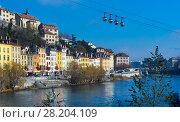 Купить «French Alps and Grenoble cable car in autumn, France», фото № 28204109, снято 7 декабря 2017 г. (c) Яков Филимонов / Фотобанк Лори