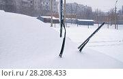 Купить «Windscreen wipers at winter», видеоролик № 28208433, снято 15 марта 2018 г. (c) Илья Шаматура / Фотобанк Лори