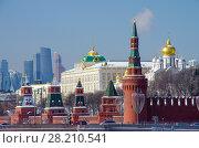 Купить «Московский кремль солнечным зимним днем», фото № 28210541, снято 27 февраля 2018 г. (c) Natalya Sidorova / Фотобанк Лори