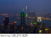 Купить «Night Center tower with illumination in mist and Victoria Harbour in Hong Kong, China, view from Queen Garden», фото № 28211829, снято 4 сентября 2015 г. (c) Losevsky Pavel / Фотобанк Лори