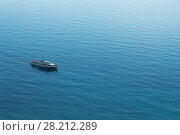 Купить «Lonely ship sails on the blue boundless sea at sunny day, top view», фото № 28212289, снято 25 августа 2013 г. (c) Losevsky Pavel / Фотобанк Лори