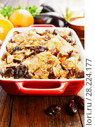 Купить «Chicken thigh baked with rice, eggplant and figs», фото № 28224177, снято 11 марта 2018 г. (c) Надежда Мишкова / Фотобанк Лори