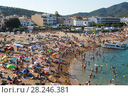 Купить «Beach of Tossa de Mar», фото № 28246381, снято 17 августа 2017 г. (c) Яков Филимонов / Фотобанк Лори