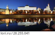 Купить «View of the Moskva River and the Kremlin (at night), Moscow, Russia--the most popular view of Moscow», видеоролик № 28255041, снято 3 апреля 2018 г. (c) Владимир Журавлев / Фотобанк Лори