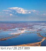 Купить «Aerial view of flood-land beside great river during spring», фото № 28257889, снято 20 мая 2016 г. (c) Владимир Мельников / Фотобанк Лори