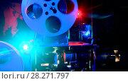 Купить «Время Кино», видеоролик № 28271797, снято 30 апреля 2017 г. (c) юрий алейников / Фотобанк Лори