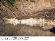 Купить «Black Glacier and meltwater lake», фото № 28277221, снято 5 февраля 2017 г. (c) Яков Филимонов / Фотобанк Лори