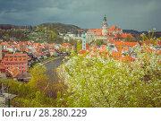 Sityscape of Cesky Krumlov in spring. Bohemia, Czech Republic. Редакционное фото, фотограф Сергей Цепек / Фотобанк Лори