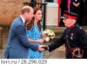 Купить «The Duke and Duchess of Cambridge visit the Stewards Academy in Harlow, Essex. Featuring: Prince William, Duke of Cambridge, Catherine Duchess of Cambridge...», фото № 28296029, снято 16 сентября 2016 г. (c) age Fotostock / Фотобанк Лори
