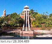 Купить «28-метровая горка «Tower of power» в аквапарке Сиам, Коста-Адехе, Тенерифе, Канары, Испания», фото № 28304489, снято 29 декабря 2015 г. (c) Кекяляйнен Андрей / Фотобанк Лори
