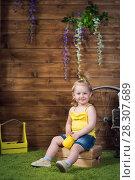 Купить «girl of two years», фото № 28307689, снято 14 апреля 2018 г. (c) Типляшина Евгения / Фотобанк Лори