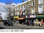 Купить «Camden High Street, Camden, London, England, United Kingdom, Europe», фото № 28308109, снято 2 апреля 2017 г. (c) age Fotostock / Фотобанк Лори
