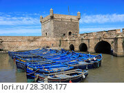 Купить «Skala du Port, fishing boats and harbor, 18th century Ramparts, Essaouira, Morocco, Atlantic Coast, North Africa, Africa», фото № 28308177, снято 25 марта 2017 г. (c) age Fotostock / Фотобанк Лори