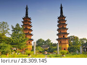 Купить «Shauangta twin pagoda temple in Suzhou China», фото № 28309145, снято 26 августа 2019 г. (c) BE&W Photo / Фотобанк Лори