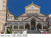 Cathedral of Saint Andrew or Duomo di San Andreas in Amalfi, on Italy's Amalfi Coast. Стоковое фото, агентство BE&W Photo / Фотобанк Лори