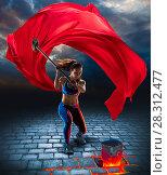 Купить «Girl with hammer in fantasy style», фото № 28312477, снято 23 марта 2018 г. (c) Владимир Мельников / Фотобанк Лори