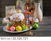 Купить «Easter cake and painted eggs», фото № 28326721, снято 14 апреля 2018 г. (c) Типляшина Евгения / Фотобанк Лори