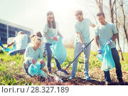 Купить «volunteers with garbage bags cleaning park area», фото № 28327189, снято 7 мая 2016 г. (c) Syda Productions / Фотобанк Лори