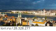 Купить «Scenery of Budapest with Hungary parliament», фото № 28328277, снято 29 октября 2017 г. (c) Яков Филимонов / Фотобанк Лори