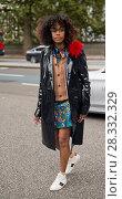 Купить «London Fashion Week Spring/Summer 2017 - Christopher Kane - Arrivals Where: London, United Kingdom When: 19 Sep 2016 Credit: Seb/WENN.com», фото № 28332329, снято 19 сентября 2016 г. (c) age Fotostock / Фотобанк Лори