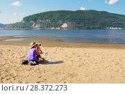 Купить «Река Волга и Жигулёвские горы», фото № 28372273, снято 25 июля 2009 г. (c) Акиньшин Владимир / Фотобанк Лори