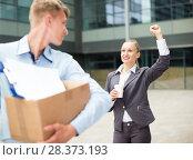Купить «Director woman is wishing good luck to employee», фото № 28373193, снято 15 июля 2017 г. (c) Яков Филимонов / Фотобанк Лори