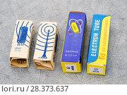 Купить «Советские радиолампы, упакованные в картонные коробочки», эксклюзивное фото № 28373637, снято 21 января 2018 г. (c) Dmitry29 / Фотобанк Лори
