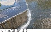 Купить «Water pours from stage with a fountain», видеоролик № 28391213, снято 8 мая 2018 г. (c) Володина Ольга / Фотобанк Лори