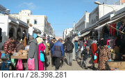 Купить «Sunny day POV walking in Essaouira medina / Morocco, first point of view», видеоролик № 28398281, снято 8 мая 2018 г. (c) Кирилл Трифонов / Фотобанк Лори