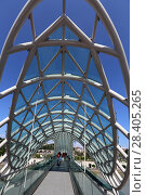 Купить «Мост Мира. Город Тбилиси, Грузия», эксклюзивное фото № 28405265, снято 12 июля 2017 г. (c) Алексей Гусев / Фотобанк Лори