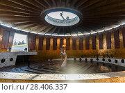 Купить «Город Волгоград. Зал воинской славы», эксклюзивное фото № 28406337, снято 20 апреля 2018 г. (c) Игорь Низов / Фотобанк Лори