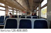 Купить «Skhodnya, Russia - May 09. 2018. people go to typical suburban train», видеоролик № 28408885, снято 10 мая 2018 г. (c) Володина Ольга / Фотобанк Лори