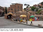 Серные бани летом. Город Тбилиси, Грузия (2017 год). Редакционное фото, фотограф Алексей Гусев / Фотобанк Лори