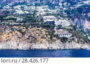 Вид на  Conca dei Marin  на побережье Амальфи, вид с моря, Кампания, Италия (2017 год). Стоковое фото, фотограф Николай Коржов / Фотобанк Лори