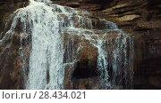 Купить «Waterfall in Catalonia surrounded by beautiful forests and valleys», видеоролик № 28434021, снято 23 марта 2018 г. (c) Яков Филимонов / Фотобанк Лори