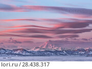 Купить «Красивое небо на закате над вулканами. Камчатка», фото № 28438317, снято 13 марта 2018 г. (c) Александр Максин / Фотобанк Лори