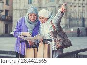 Купить «Mature ladies travellers with map», фото № 28442565, снято 26 ноября 2017 г. (c) Яков Филимонов / Фотобанк Лори