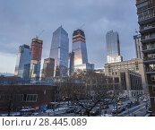 Купить «10 Hudson Yards, left, and other Hudson Yards development in New York at sunset on Sunday, December 10, 2017.», фото № 28445089, снято 10 декабря 2017 г. (c) age Fotostock / Фотобанк Лори