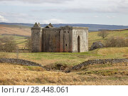 Купить «Hermitage Castle, Newcastleton, Roxburghshire, Scottish Borders, Scotland, built in the 14th and 15th centuries, located in the debatable lands between England and Scotland. United Kingdom, Europe.», фото № 28448061, снято 18 апреля 2018 г. (c) age Fotostock / Фотобанк Лори