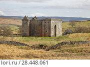 Купить «Hermitage Castle, Newcastleton, Roxburghshire, Scottish Borders, Scotland, built in the 14th and 15th centuries, located in the debatable lands between England and Scotland. United Kingdom, Europe.», фото № 28448061, снято 18 апреля 2018 г. (c) age Fotostock / Фотобанк Лори